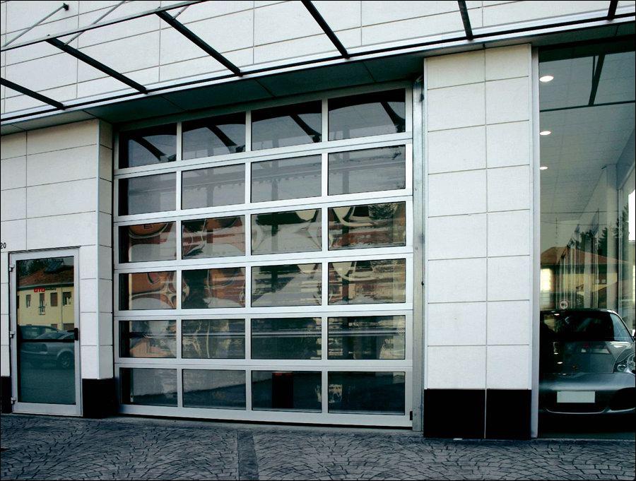 Full vision panoráma ablakos minőségi ipari kapu